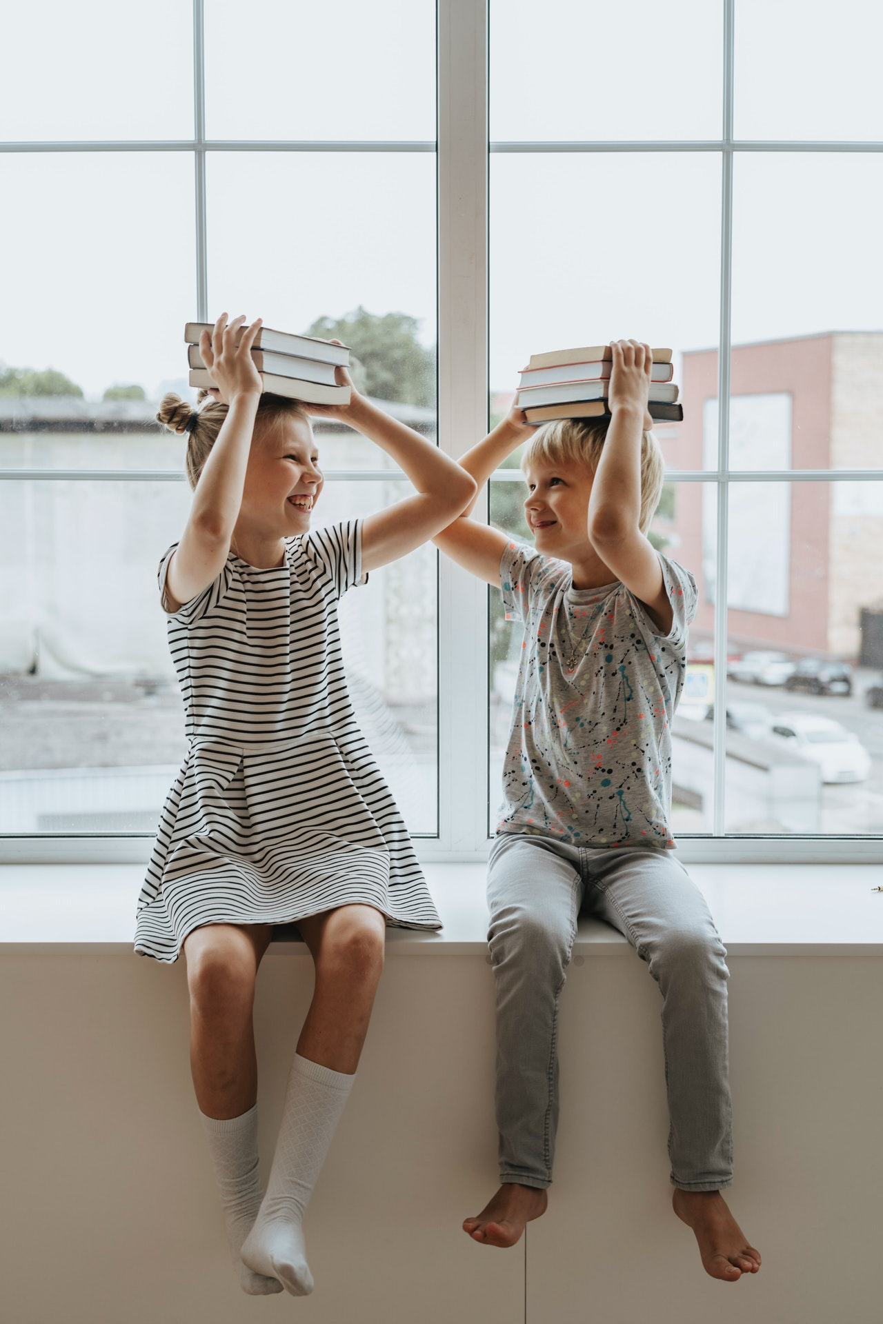 https://smorgasbordinvitation.wordpress.com/2021/07/15/smorgasbord-childrens-reading-room-change-language-whaaat-by-dawn-doig/